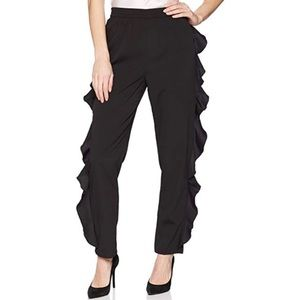 Do+Be Chic Ruffle Pant